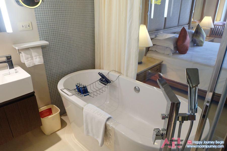 319 Honeymoon Suite_8