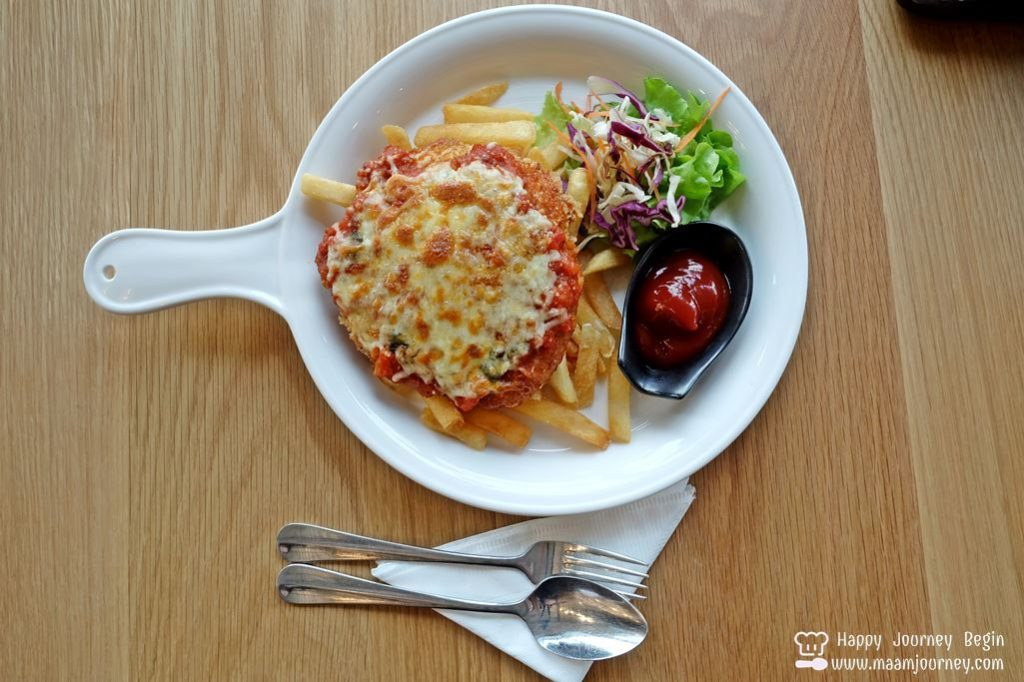 Breeze Cafe_Chicken Parmesan