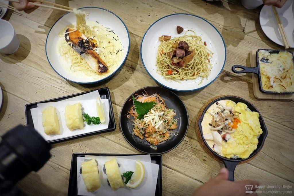 Umeno Cafe Silom_38