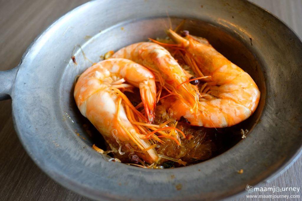 Kungthong Seafood_กุ้งทอง_กะเพรากุ้งแชบ๊วยอบวุ้นเส้น_1