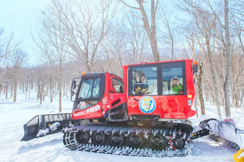 3-Snow cat tour