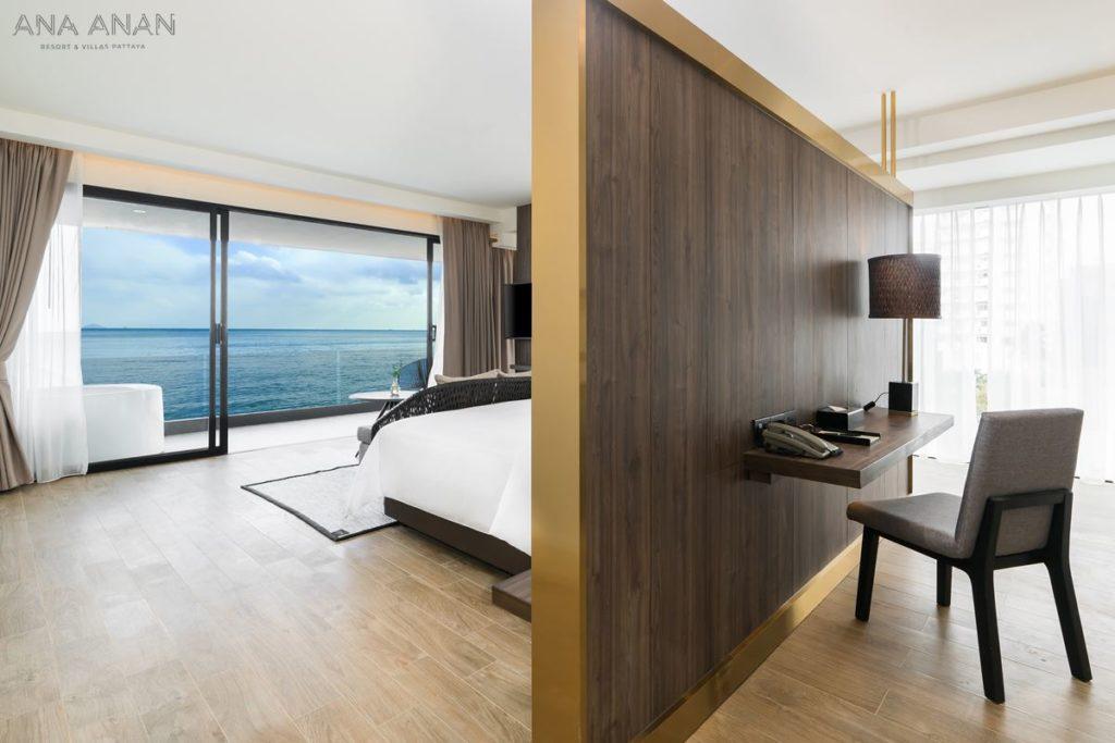 Ocean Suite Skybath (1)