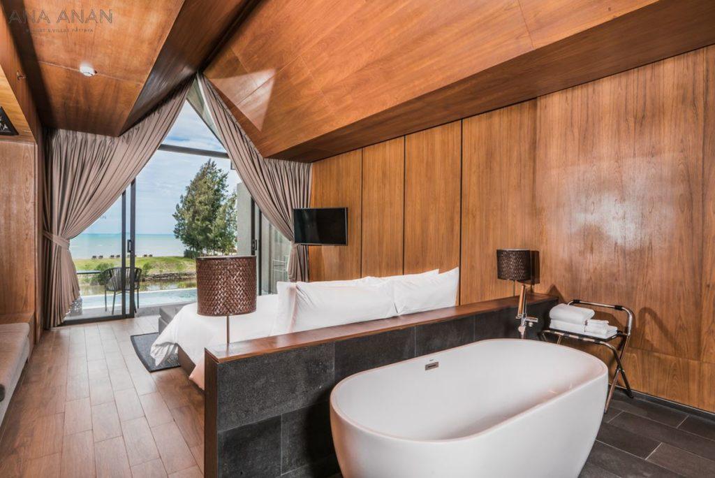 Oceanfront Pool Villa (1)