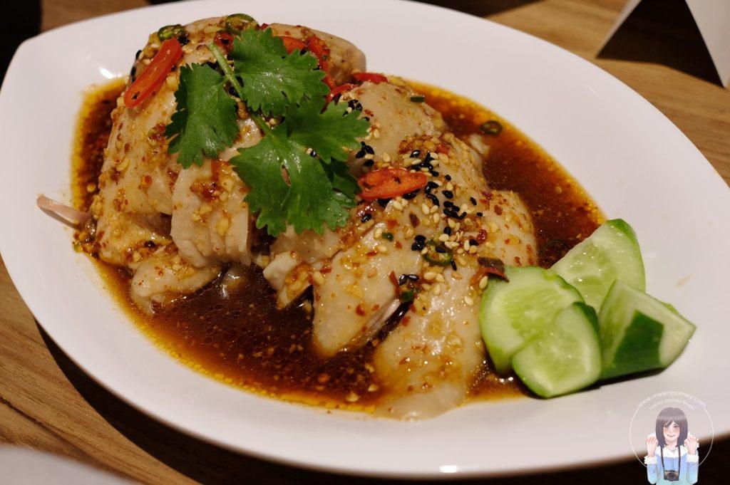 ไก่ผัดซอสเผ็ดเสฉวน (Sichuan Spicy Chicken) ราคา 150 บาท
