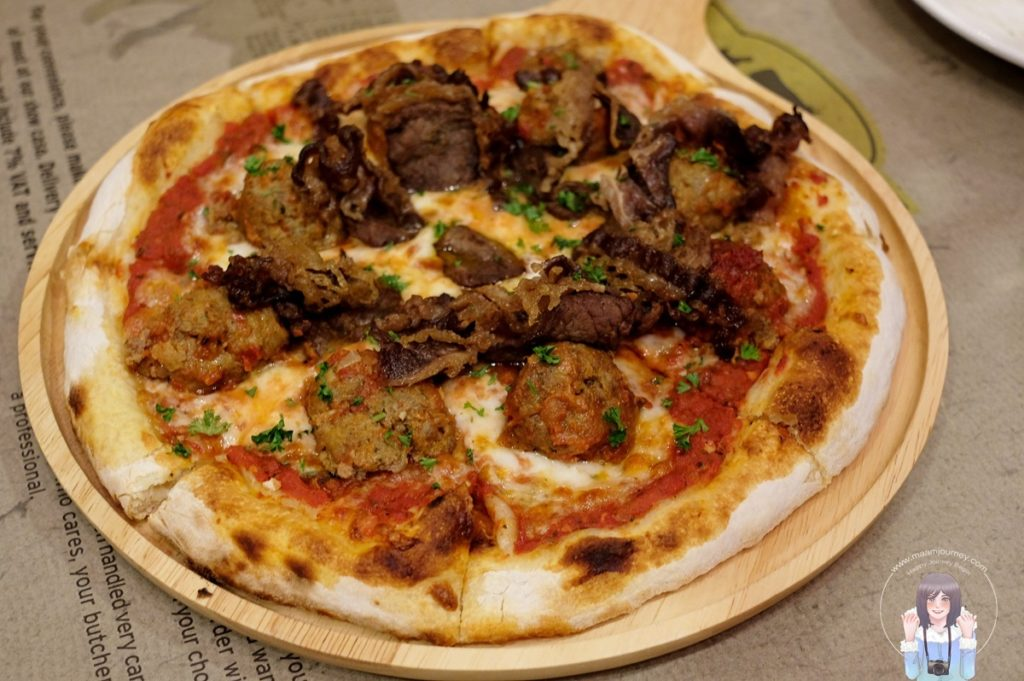 Pizza Big - Meat Lover (390 บาท)