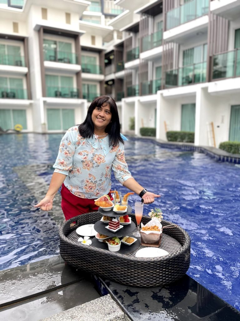 Afternoon Tea for 2 persons (Floating)