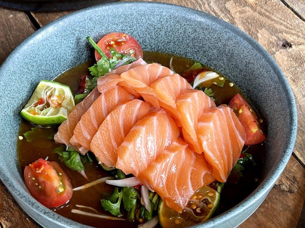 ยำแซลมอนนอร์เวย์ Salmon Spicy Thai Salad